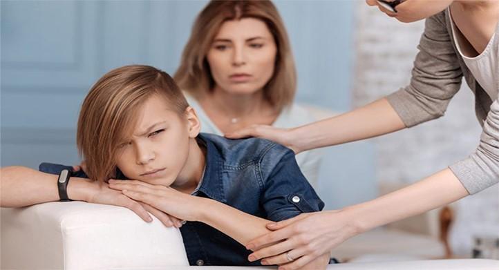 بررسی مشکلات دوره نوجوانی و جوانی و مسائل خانوادگی
