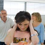 بررسی علل سخت گیری خانواده ها در برخورد با نوجوانان
