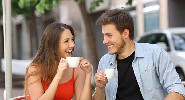 اهمیت دوران نامزدی پیش از ازدواج، تفاوت نامزدی با آشنایی