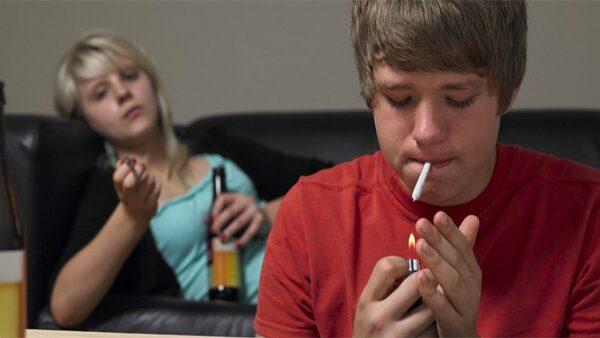 دلایل مصرف مواد مخدر توسط نوجوان و پیشگیری از آن