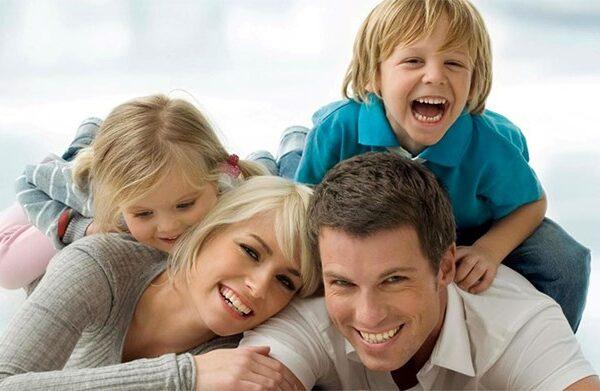 راه های ایجاد فضای مثبت در خانواده و ارتباط موثر با کودک